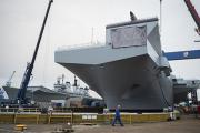 Королева Елизавета II окрестила новейший авианосец
