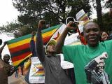 Сторонников президента Зимбабве обвинили в сотнях изнасилований