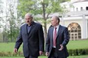 Первый визит Путина - к Лукашенко?