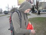 На улицах Гомеля продавали флаги СССР