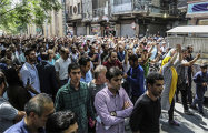 В Иране жители городов вышли на протест из-за ограничения продажи бензина