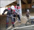 На субботнике Лукашенко вместе с сыном Колей заливал бетон (Фото)