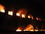 Число жертв пожара на фабрике в Бангладеш превысило 100 человек