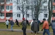 Протестующие в Минске обратили ОМОН в бегство