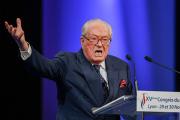 Марин Ле Пен выступила против участия отца в выборах
