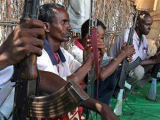 Сомалийские пираты захватили восемь индийских судов