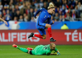 Беларусь проиграла Франции и заняла место Люксембурга на дне таблицы