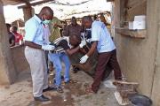 В Мозамбике арестовали подозреваемого в массовом убийстве на похоронах