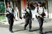 В Индонезии ввели комендантский час для пар