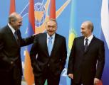 Казахстан, Россия и Беларусь могут создать лучшее объединение, чем ЕС - Назарбаев