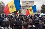 В Кишиневе фермеры возобновили протест с требованием отставки правительства