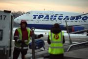 Летающим на Boeing 747 пилотам «Трансаэро» заменили бумажные документы на iPad