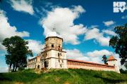 В Любче напали на восстанавливающих замок волонтеров