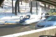 Самолет приземлился на автомагистраль в Нью-Йорке