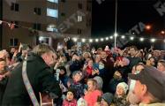 Более сотни минчан пришли на дворовой концерт в Малиновке