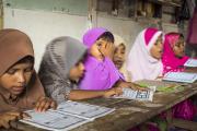 Буддистские монахи отказали школьницам-мусульманкам в праве на ношение платков