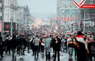 В Минске задержанных демонстрантов из отделения милиции забирают «скорые»