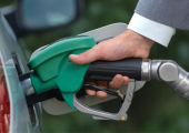 Бензина на копейку: «Белнефтехим» опять повысил стоимость топлива