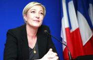 Опрос: Рейтинг Ле Пен снизился за две недели до выборов во Франции