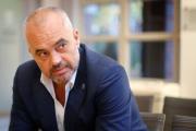 Премьер Албании отложил визит в Сербию из-за скандала на футбольном матче