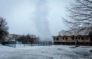 В Минске посреди дороги появился огромный столб воды