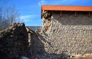 В Кревском замке рухнула часть консервационной кладки