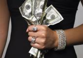 Бывшая сотрудница минского банка сняла со счета вип-клиента крупную сумму