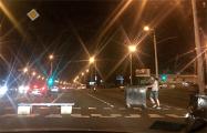 На западе Минска протестующие строят баррикады