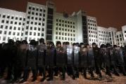 На Площади милиция могла перейти на сторону демонстрантов? (Видео)