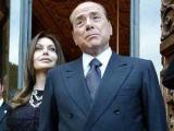 Супруга Берлускони подает на развод