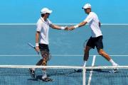Максим Мирный и Даниэль Нестор вышли в четвертьфинал теннисного турнира в Лондоне