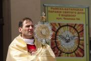 Сотни католиков провели шествие по центру Витебска