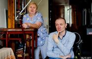 В Гомеле семья колясочника мечтает обменять квартиру на третьем этаже