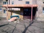 В Новополоцке рухнул козырек подъезда жилого дома