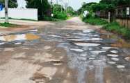 Как в Беларуси дороги, по которой невозможно ездить, «обеспечивают проезд»
