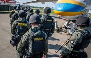 Масштабная спецоперация в Закарпатье: 600 спецназовцев прибыли на самолете и проводят обыски