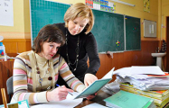 В гимназии Минска от учителей требуют подписаться на газеты за премиальные
