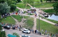 Фоторепортаж: Тысячи минчан стоят в очередях за водой
