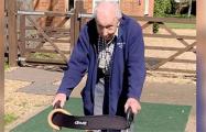 Столетний ветеран собрал миллионы для британских врачей