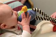 Годовалые младенцы оказались физиками-экспериментаторами