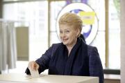 Даля Грибаускайте лидирует на выборах президента Литвы
