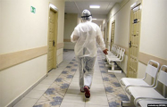 «Многие врачи сами болеют, но продолжают работать, так как замены нет»
