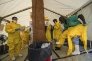 В Западной Африке от лихорадки Эбола погибло почти 900 человек