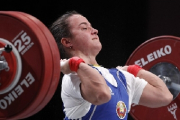 Олимпийские судьи дважды не засчитали взятый Новиковой вес