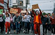 От Джокера до Винни-Пуха: Как поп-культура вторгается в акции протеста