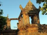 Артиллеристы подбили храм XI века на границе Камбоджи с Таиландом