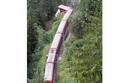 В Швейцарии поезд сошел с рельсов из-за оползня