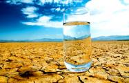 Физики извлекли стакан воды из сухого воздуха пустыни