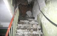 В многоэтажке в центре Гомеля кто-то вторую ночь подряд поджигает подъезд