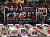 Китай объявил награду за сведения о собирающихся себя сжечь тибетцах